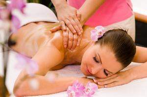 Сочетание приятного с полезным: массаж холки